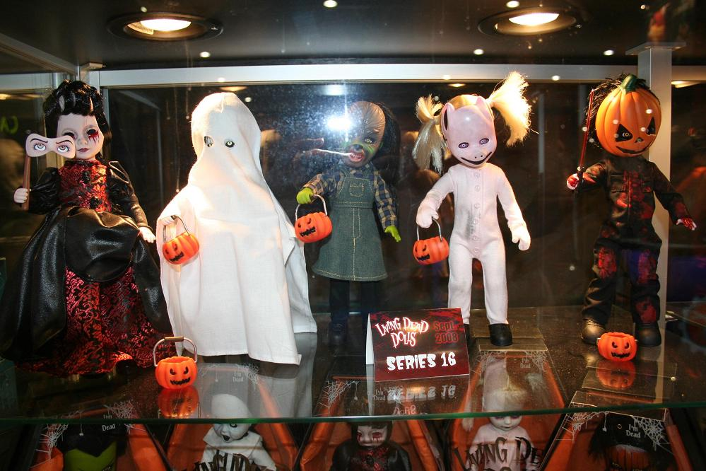 living dead dolls. Living Dead Dolls Series 16