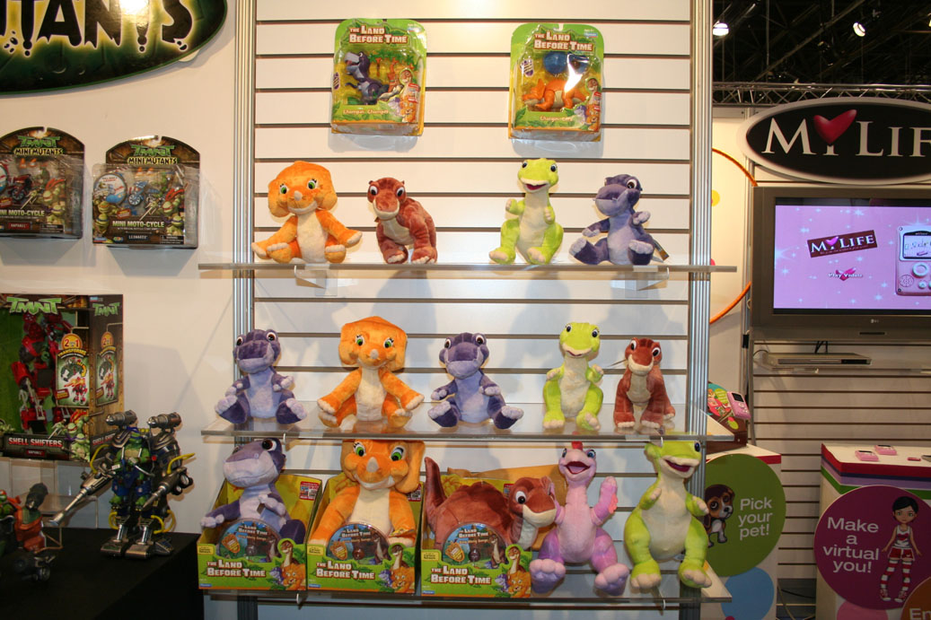 Land Before Time Toys : Toy fair coverage playmates parry game preserve