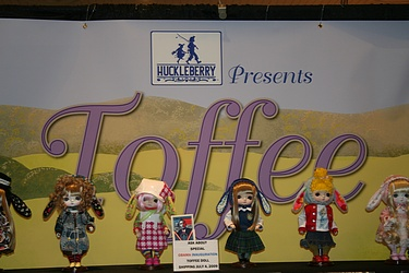 Huckleberry Toys: Toffee