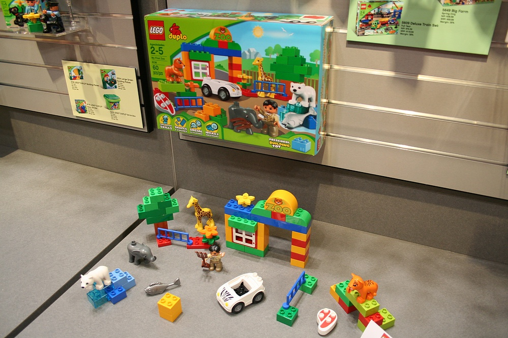 Toy Fair 2011 Coverage - Lego: Duplo - Parry Game Preserve