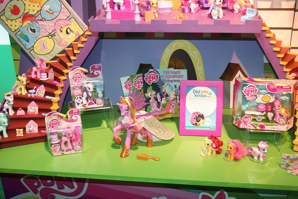 toy fair 2012 coverage  hasbro my little pony  parry