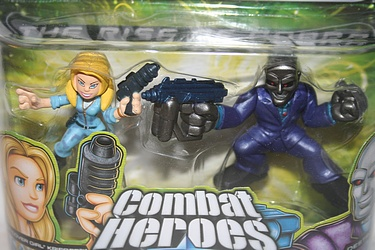 G.I. Joe Combat Heroes - Cover Girl vs. Destro