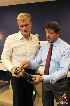 Stallone and Dolph enjoy the Hot Toys