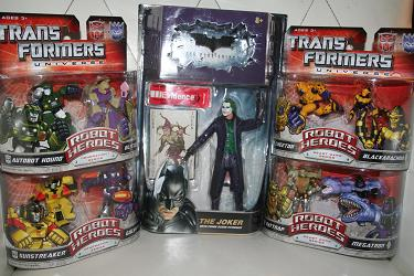 Toy Haul, Robot Heroes and Joker Movie Master