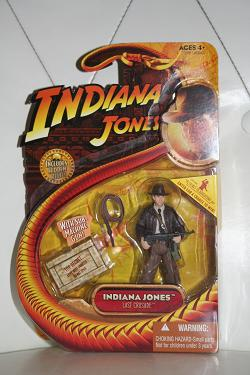 Indiana Jones with Sub-Machine Gun