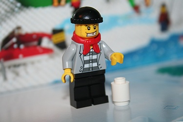 Lego City Advent Calendar 2011 - Day 1