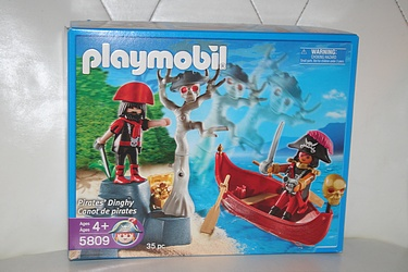 Playmobil set #5809 - Pirates' Dinghy