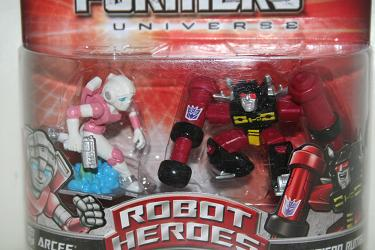 Transformers Universe Robot Heroes - Arcee vs. Rumble